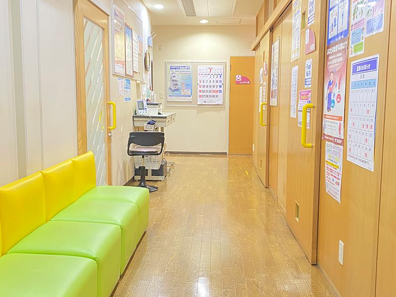 画像:診察室前